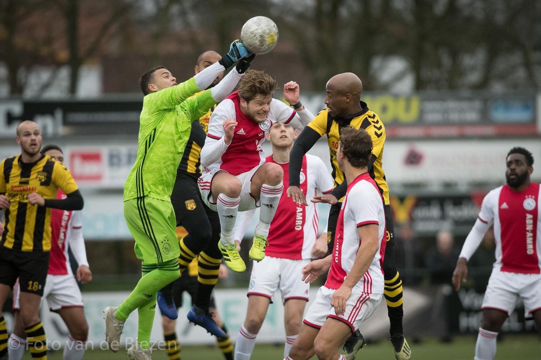 Opdracht: DS-2020-0461  Ermelo - Voetbal DVS'33 tegen Ajax.